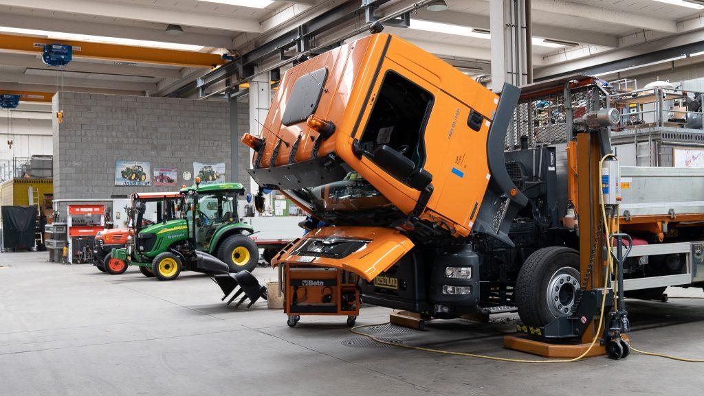 Der Werkhof hat eine eigene Werkstatt, um die Fahrzeuge zu warten.